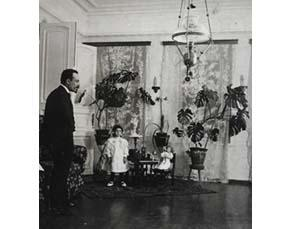 Natacha avec son père à Moscou (1903 ou 1904)